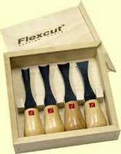 95-1704... Flexcut 4-Piece Super Wide Palm Set,